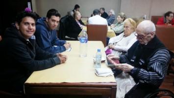 Alumnos del Arzruní visitaron la Casa de Descanso de HOM