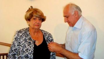 Anyel Manukian fue condecorada por la Fundación de los Luchadores por la liberación de Artsaj