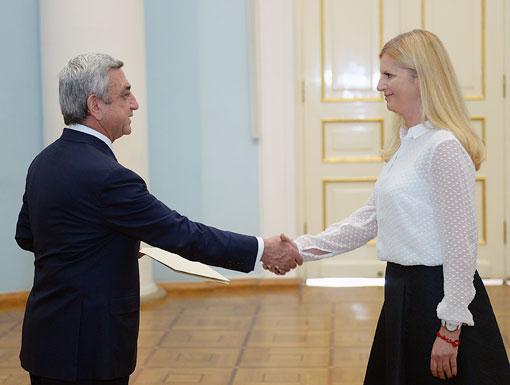 serge-natasha-praha-eslovenia-embajador