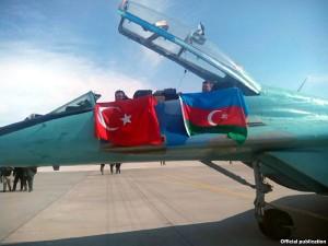 15_avion turco azeri