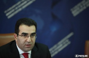RA Deputy Minister of Economy Garegin Melkonyan gives a press conference