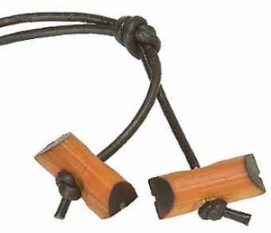 insignia-de-madera-1