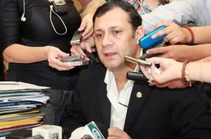 el-senador-Víctor-Bogado-e