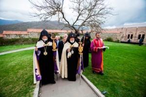 Catolicoses-Aram-y-Karekin-1