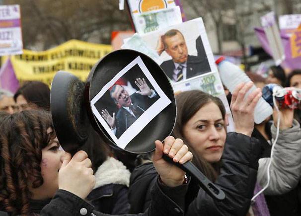 Resultado de imagen para armenios contra visita erdogan