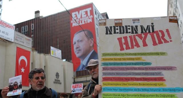 Turquía decide en referendo cambiar a sistema presidencialista