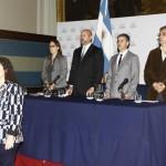 Valeria Cherekian interpreta los himnos nacionales