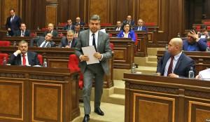 Karapetian-Parlamento