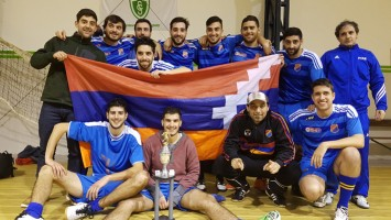 plantel-Futsal-Montevideo-Homenetmen-1