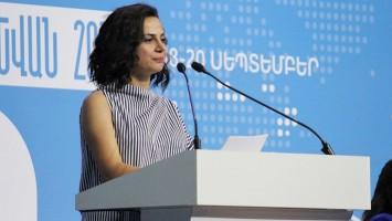 Alesya-Pejanyan-Conferencia