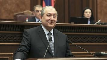 Armen-Sarkissian_nuevo-presidente
