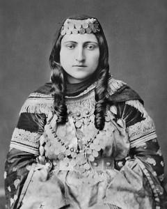 costume-armenian-wooman-3