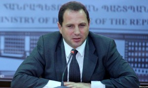 David Tonoyan, Ministro de Defensa