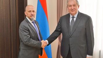 Gonzalo-Urriolabeitia_armen-Sarkissian