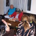 Jugando domino cubano