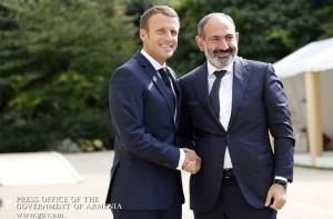Macron_Pashinian_encuentro