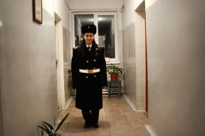 En 2017, Eva Ghazaryan, de 18 años, se convirtió en la primera mujer en graduarse de la Academia Militar Kristapor Ivanyan. Actualmente estudia en la Universidad de Aviación Armenak Khamperyants en Ereván y planea desempeñarse en las fuerzas armadas de Karabagh después de obtener su título