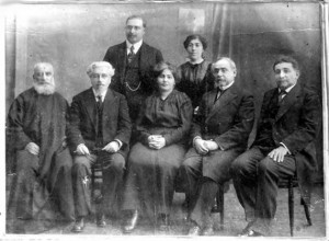 Zabel junto a intelectuales armenios