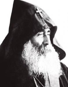 Jrimian Hairig. Sus restos descansan en la entrada de la Santa Sede de Echmiadzín.