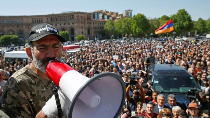 Nikol Pashinyan - Revolución de Terciopelo