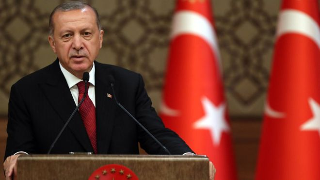 En una polémica declaración, el presidente de Turquía justificó el genocidio armenio